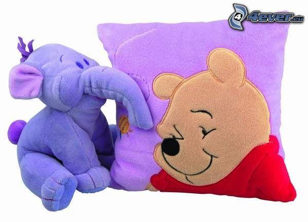 Winnie the Pooh, almohada, elefante