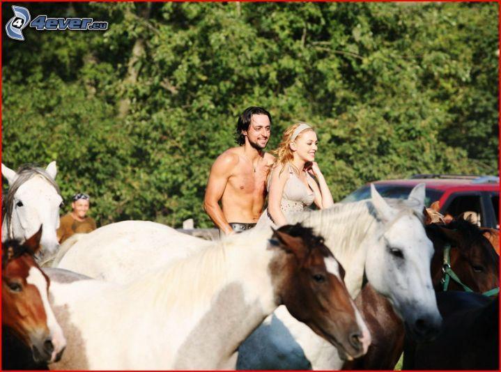 Corazón Gitano, hombre y mujer, caballos