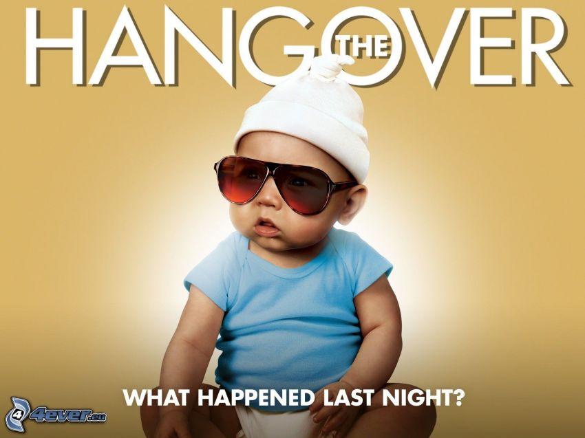 The Hangover, bebé, gafas de sol, gorro, text