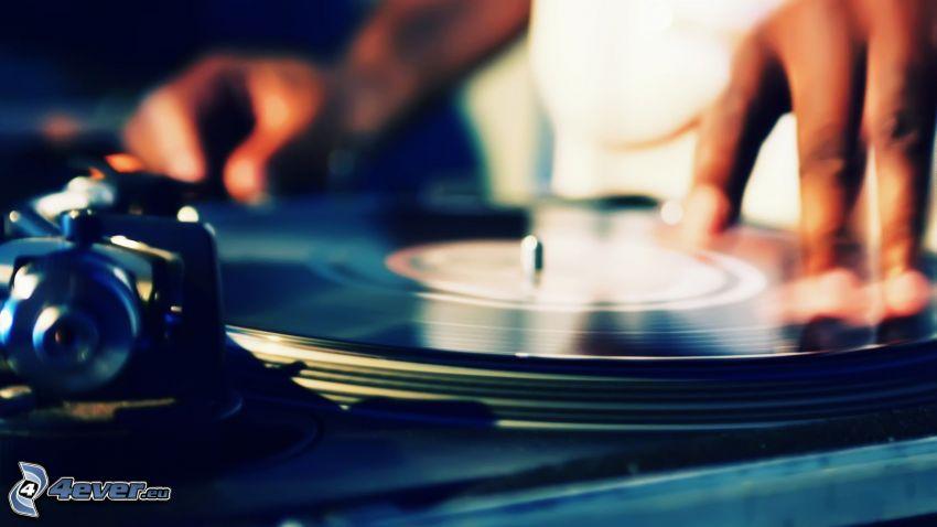DJ, disco de vinilo, mano