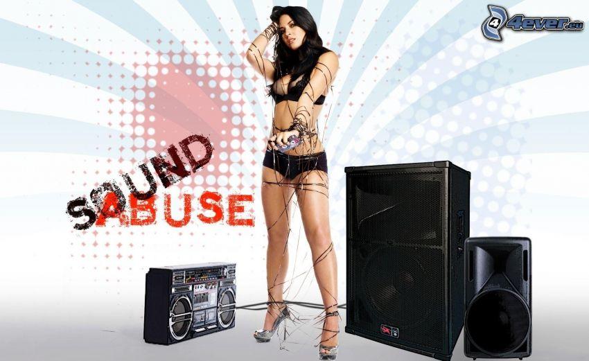 mujer en ropa inferior, altavoces, radio