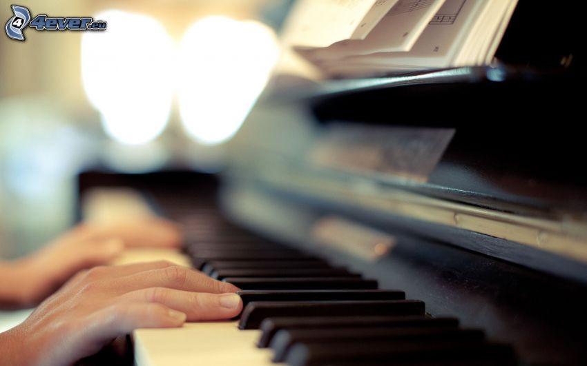 tocar el piano, manos