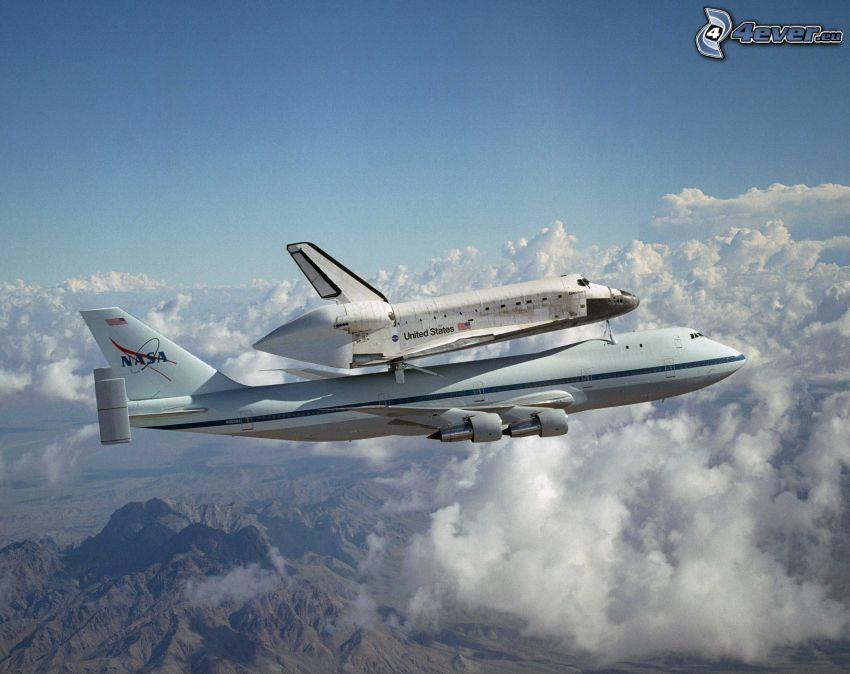 transbordador espacial Discovery, transporte del trasbordador, Boeing 747, avión