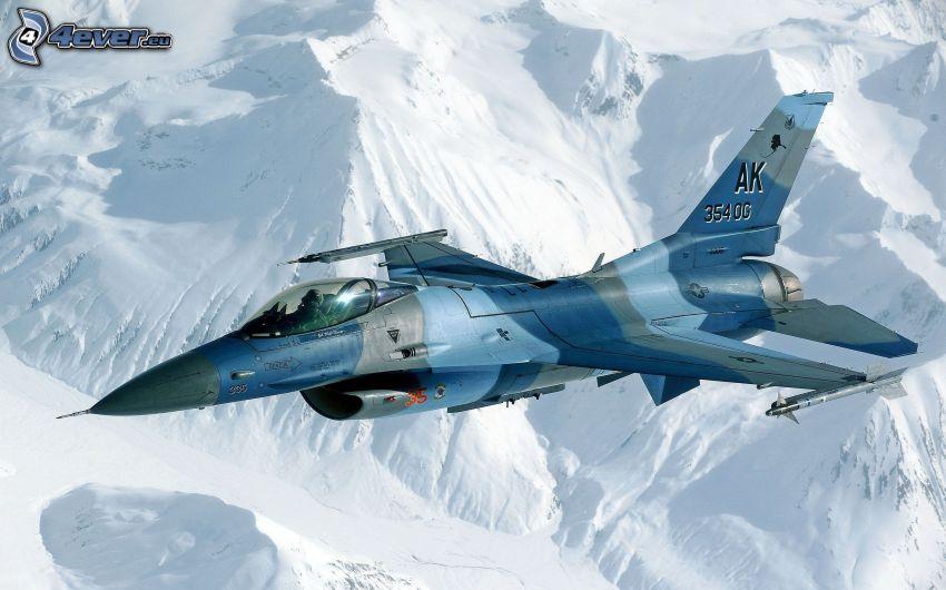 avion de caza, colinas cubiertas de nieve