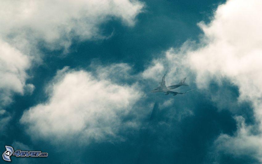 avion de caza, nubes