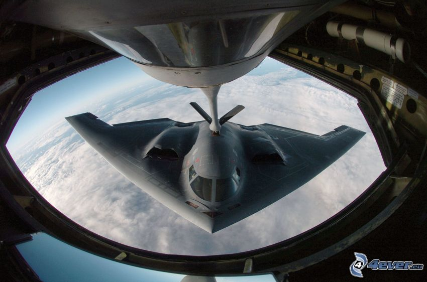 B-2 Spirit, reabastecimiento en vuelo