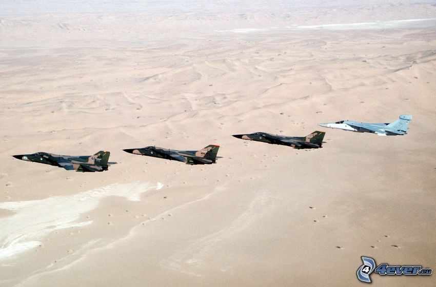 F-111 Aardvark, aviones de caza