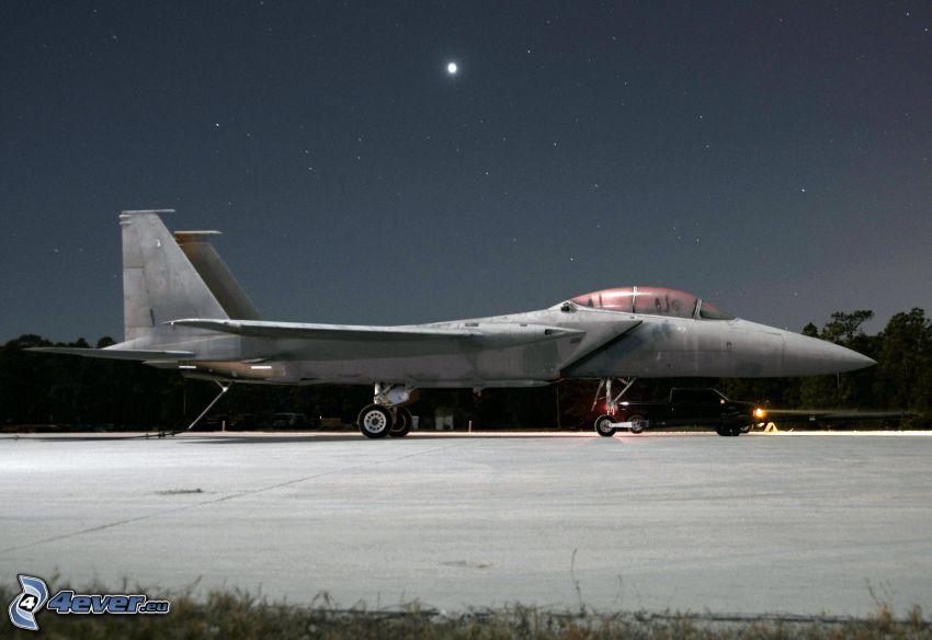 F-15 Eagle, aeropuerto, cielo estrellado