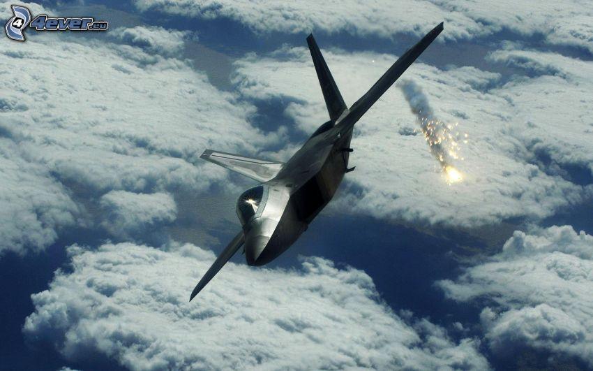 F-22 Raptor, encima de las nubes
