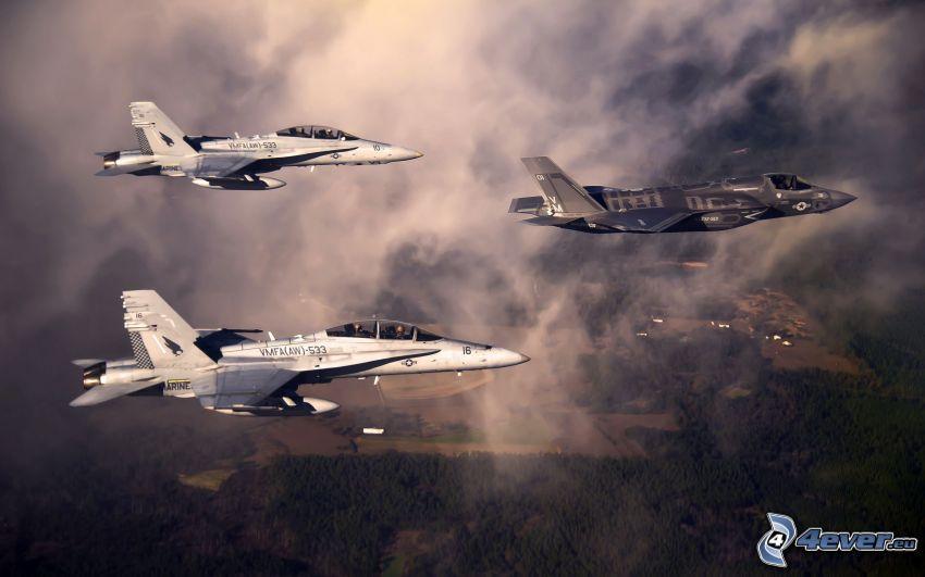 F-35 Lightning II, nubes
