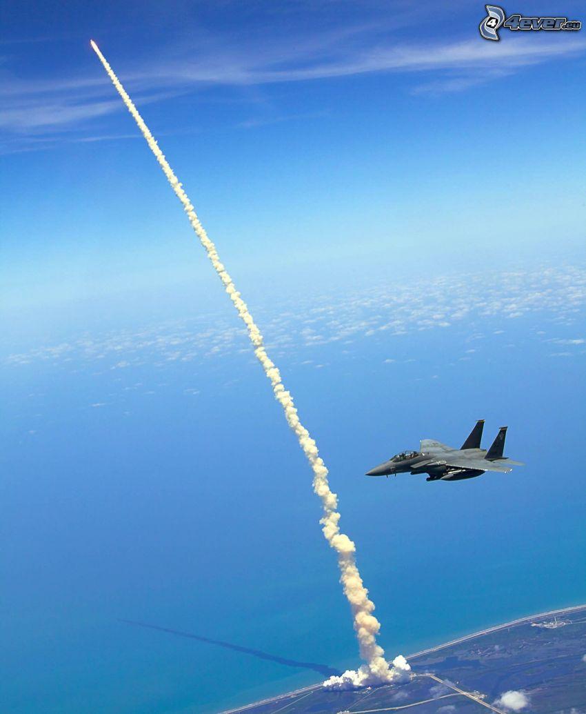 lanzamiento del transbordador, F-15 Eagle, Centro espacial John F. Kennedy, vista al mar
