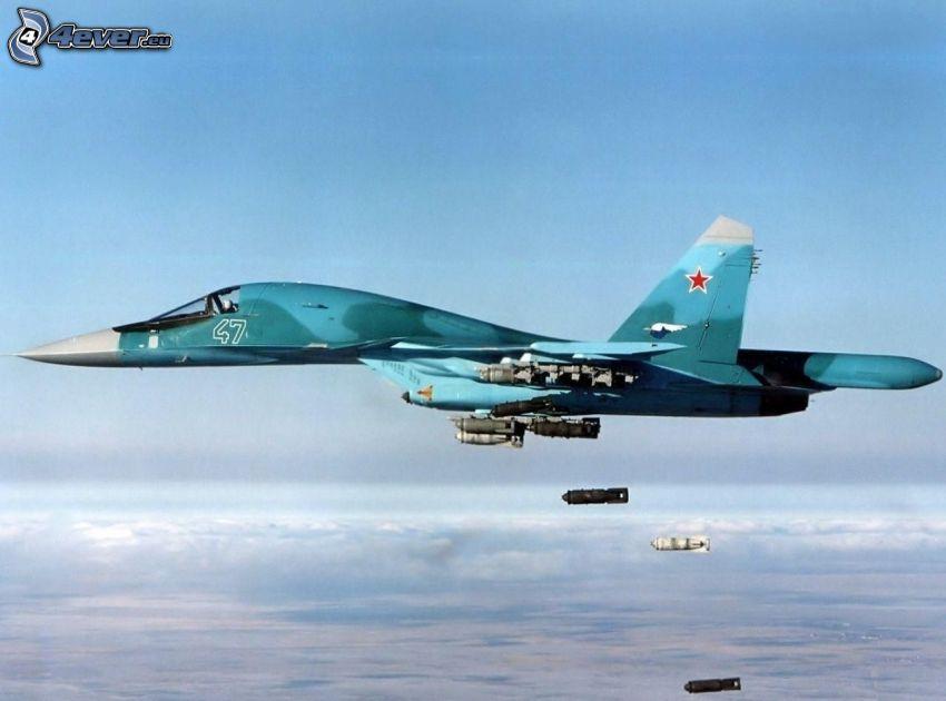 Sukhoi Su-34, avion de caza, encima de las nubes, bombardeo, misiles