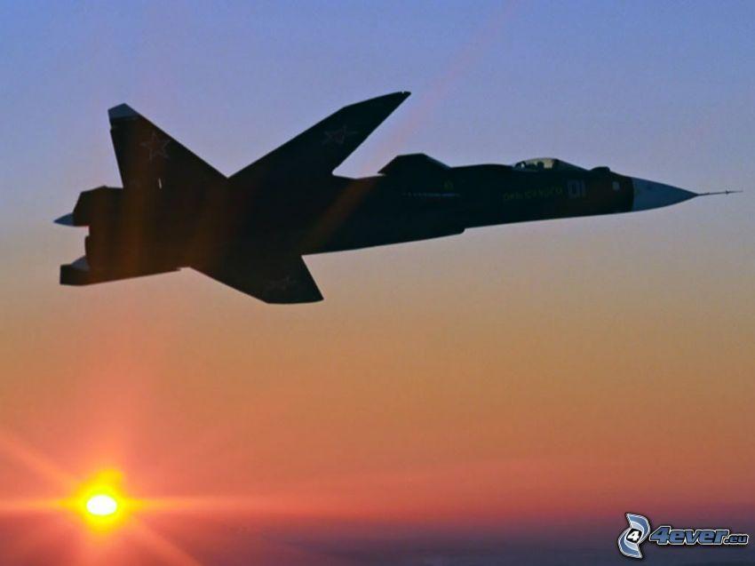 Sukhoi Su-47, avión al atardecer