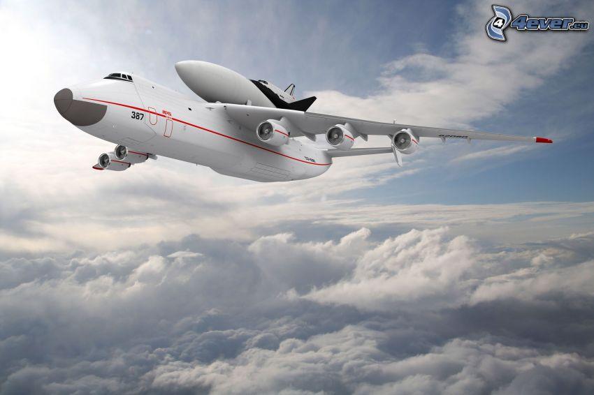 Antonov AN-225, encima de las nubes