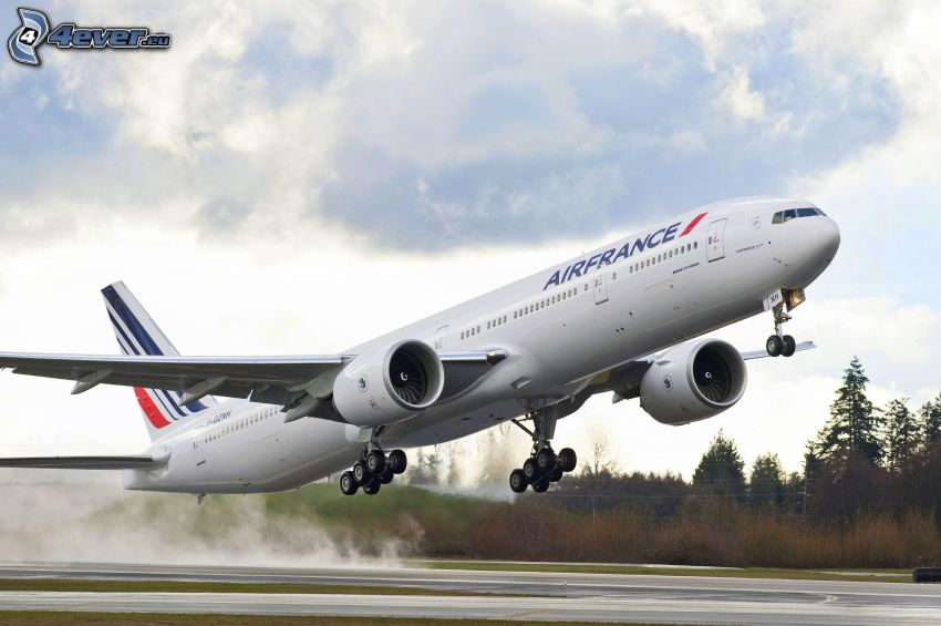Boeing 777, Air France, despegue