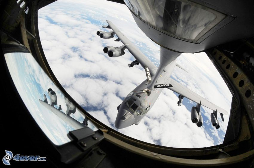 Boeing B-52 Stratofortress, reabastecimiento en vuelo