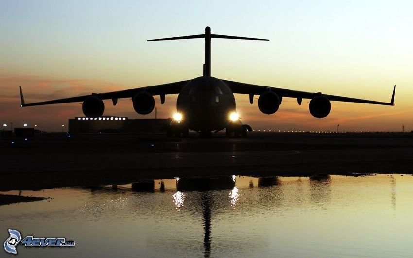 Boeing C-17 Globemaster III, silueta de la aeronave