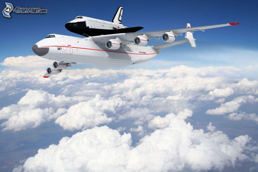 transporte del trasbordador, transbordador espacial Buran ruso, Antonov AN-225, encima de las nubes