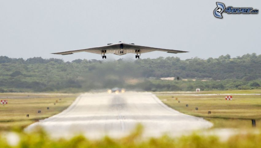 B-2 Spirit, despegue, aeropuerto