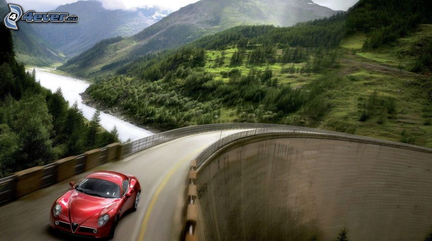Alfa Romeo, puente, acelerar, colina