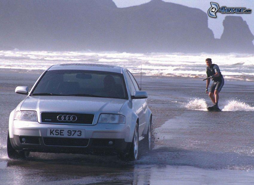 Audi A6, agua, surfista