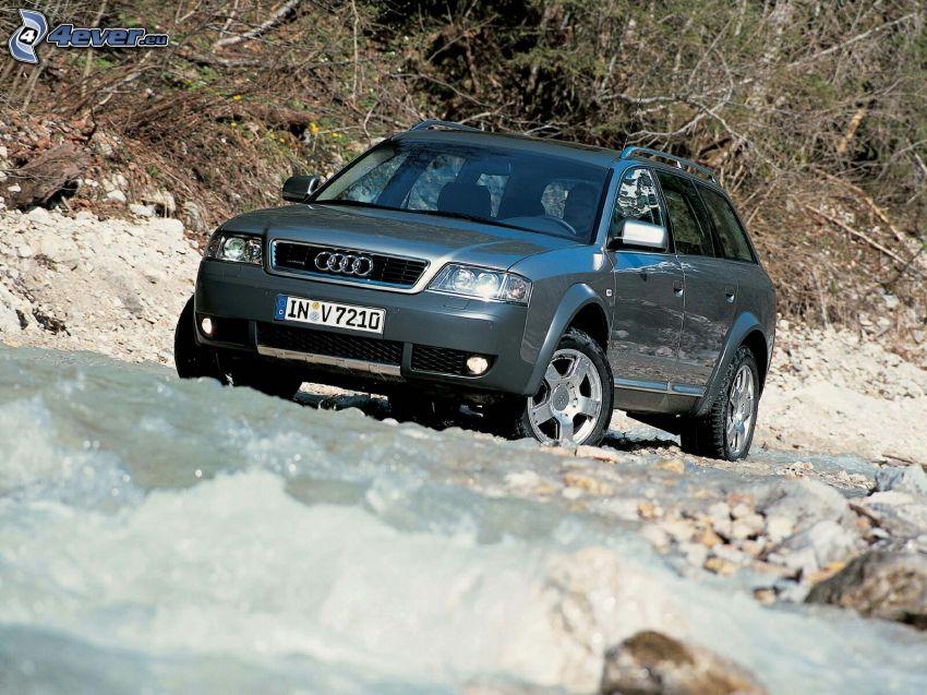 Audi A6 Allroad, terreno