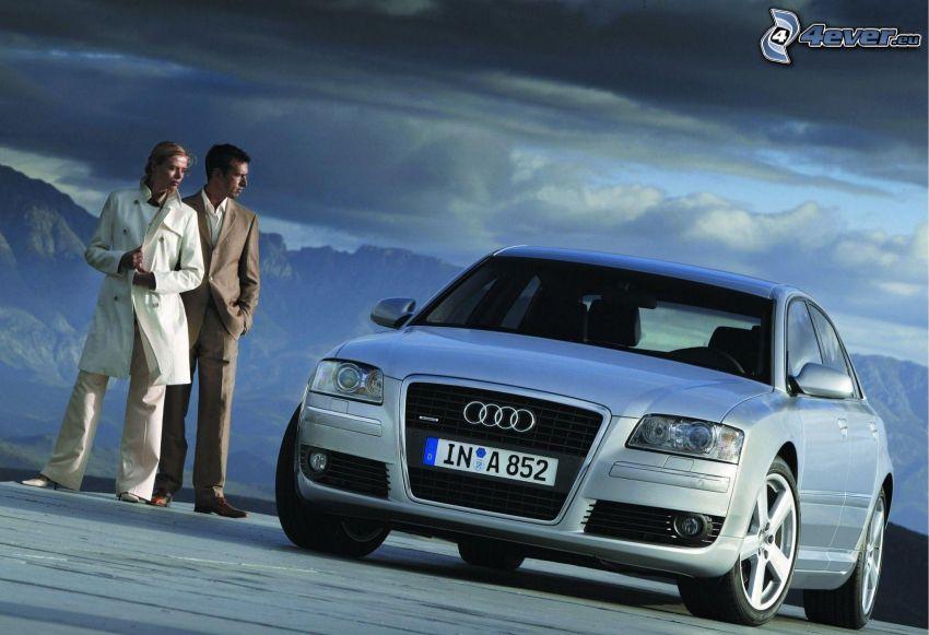 Audi A8, hombre y mujer