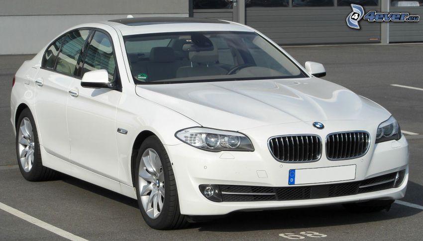 BMW 5, parking