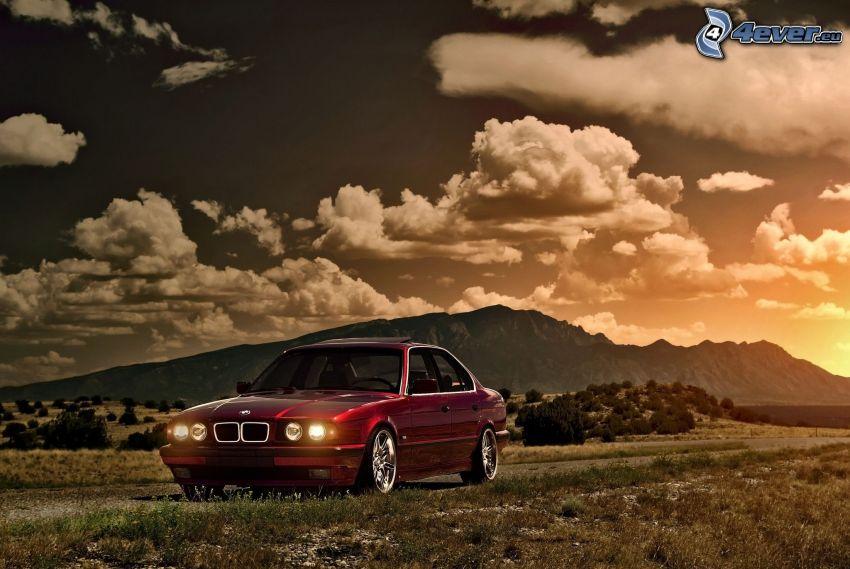 BMW 5, sierra, nubes, atardecer