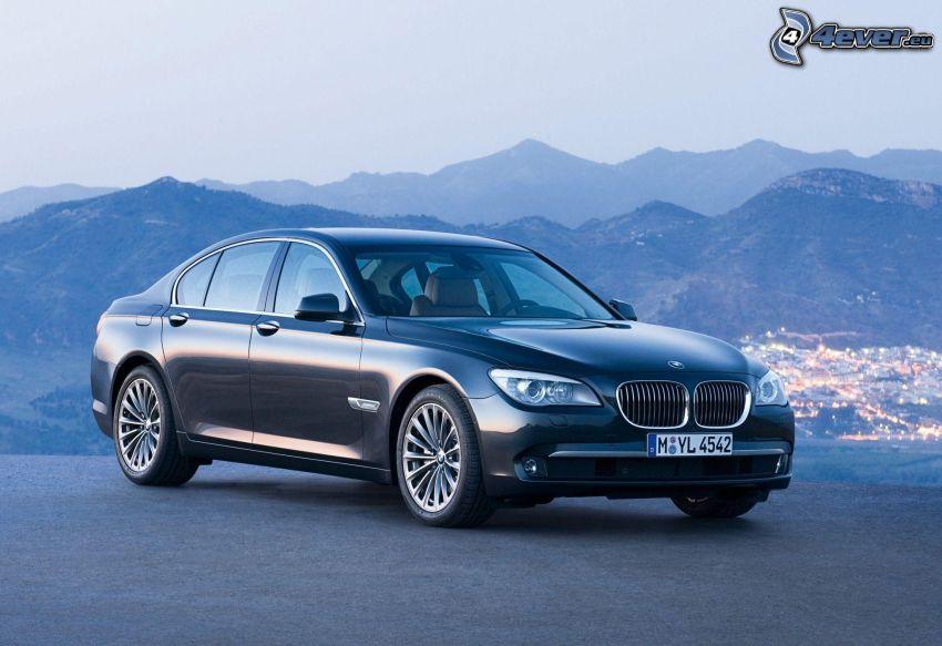BMW 7, montañas