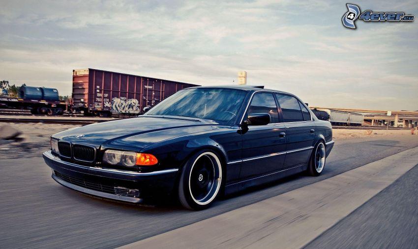 BMW E38, acelerar