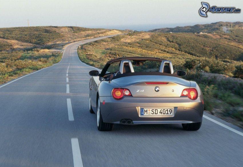 BMW Z4, descapotable, camino