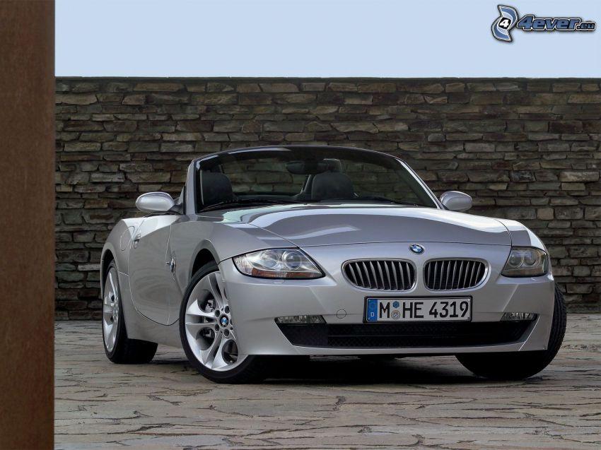 BMW Z4, descapotable, muro de piedra