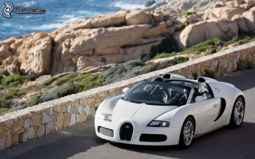 Bugatti Veyron, descapotable, costa rocosa, muro de piedra