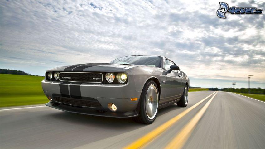 Dodge Challenger SRT, camino, acelerar, nubes