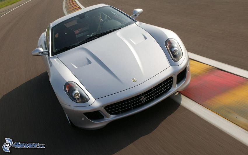 Ferrari 599 GTB Fiorano, acelerar, carreras en circuito