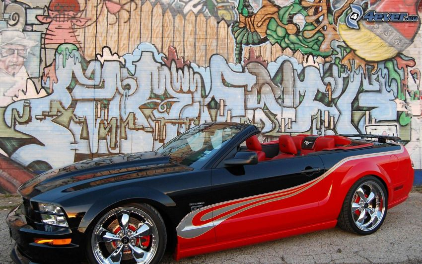 Ford Mustang GT, descapotable, grafiti, pared