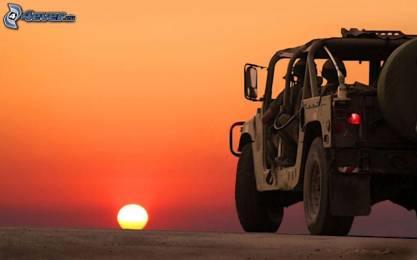 Hummer H1, puesta del sol
