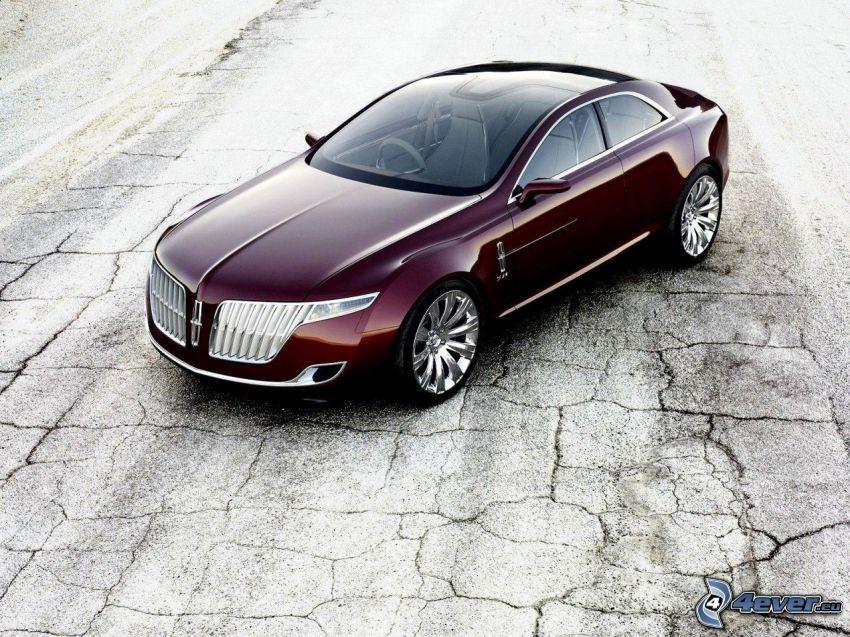 Lincoln MKR, grietas