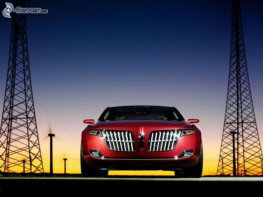 Lincoln MKR, noche, alambrado