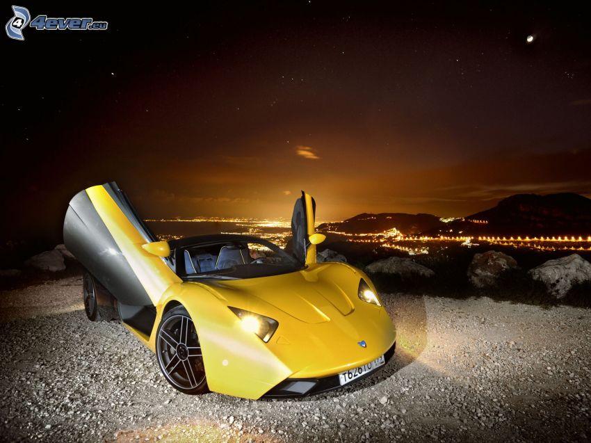 Marussia B1, ciudad de noche, luces