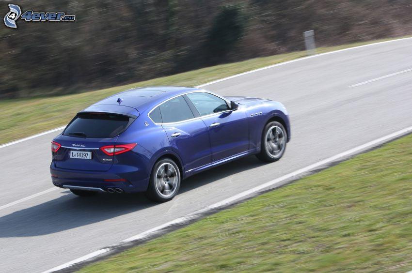 Maserati Levante, camino, acelerar