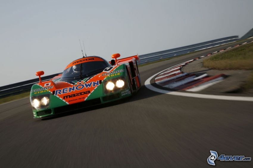 Mazda 787B, carreras en circuito