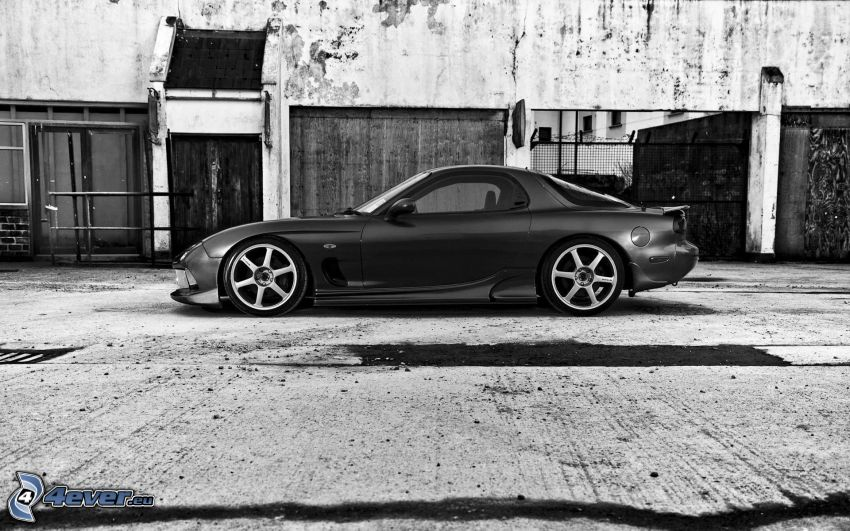 Mazda RX7, blanco y negro