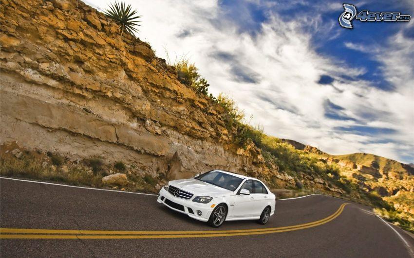 Mercedes-Benz, camino, nubes