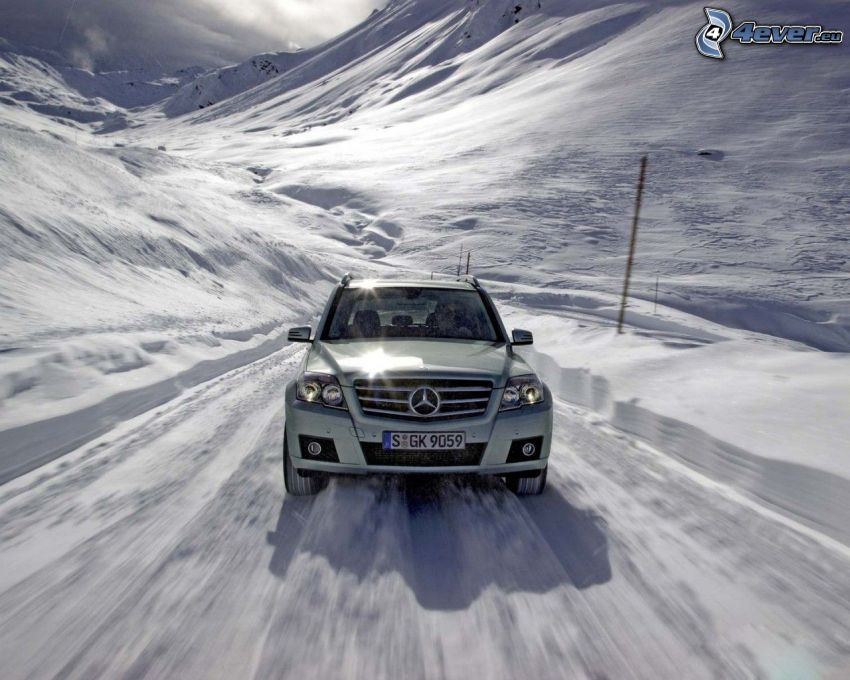 Mercedes-Benz, nieve
