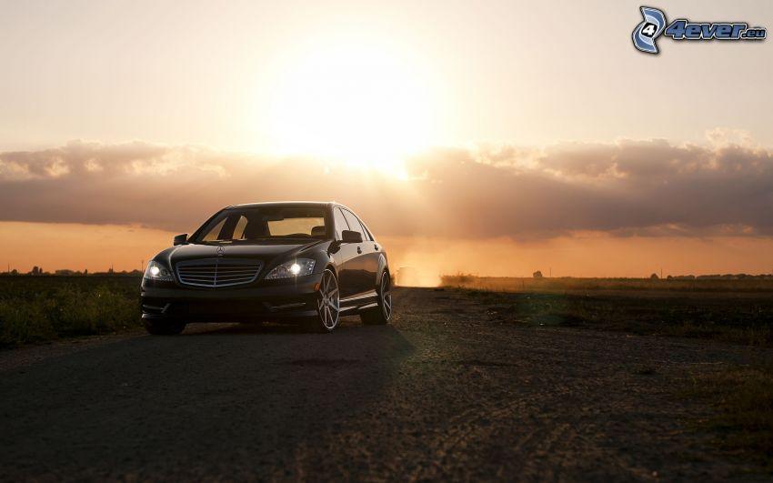 Mercedes-Benz C, atardecer