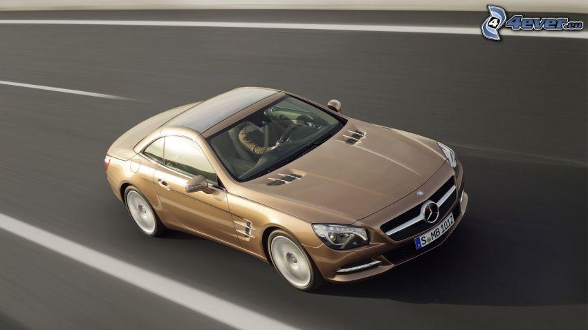 Mercedes-Benz SL, acelerar