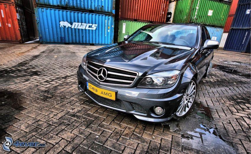 Mercedes C63 AMG, Contenedores, pavimento, HDR