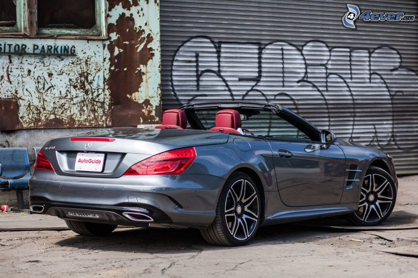 Mercedes SL, descapotable, garaje, grafiti